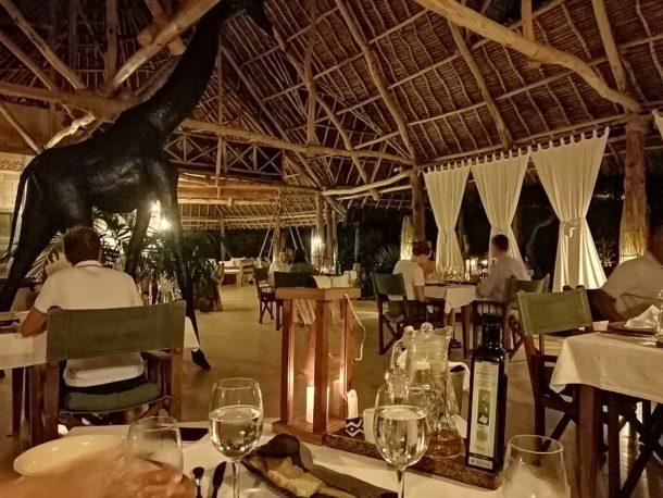 The Lonno Lodge Restaurant at Night